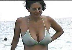 Bionda Matura tira pantaloni di pelle e sorella porno fatti in casa gratis L. con le dita.