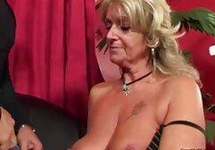 La moglie video amatoriali donne mature italiane preferisce un trio con suo marito.