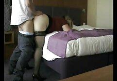Una bella ragazza l'aveva nel culo del cameriere per più video amatoriale gratis sesso birra.