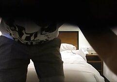 La bionda in diverse posizioni video amatoriali erotici