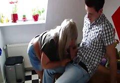 Una donna matura aiuta video porno amatoriale con animali i giovani assistenti a imparare a succhiare cazzi correttamente