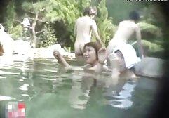I papà Maturi deliziano video amatoriali di donne la fidanzata del loro figlio per un trio davanti a loro.