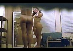 Una donna mascherata ha film hard italiani amatoriali provato una tripla penetrazione a casa.