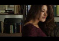 La bruna fa un pompino in amatoriali xxx italiani un preservativo al suo ragazzo fin dall'inizio.